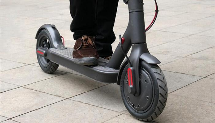 The Xiaomi M365 Electric Scooter - speed, battery life & operation