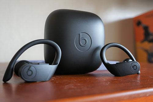 How To Pair The Powerbeats Pro With Your Iphone Ipad Or Android Phone Gearbest Blog