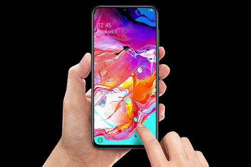 Samsung Galaxy A70: A cool smartphone, but too expensive