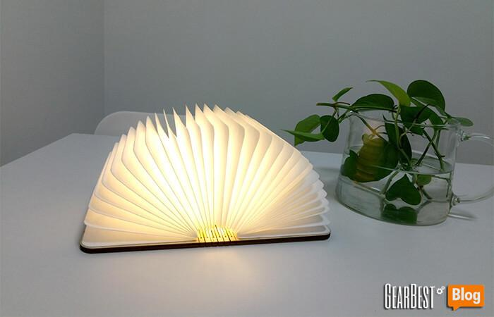 the book lamp on the dinner table