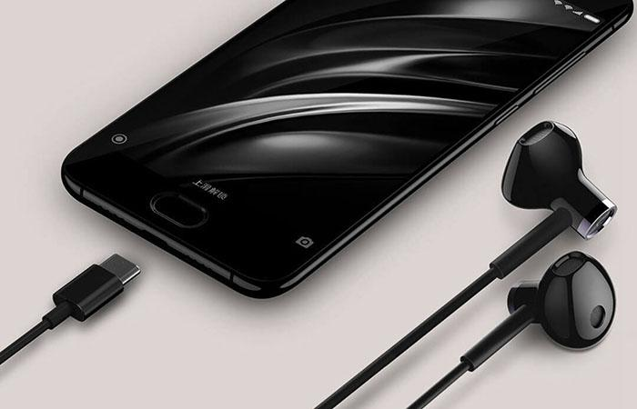 the USB Type-C port of Xiaomi BRE02JY earbuds