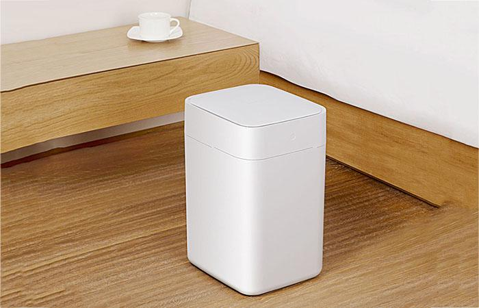 Xiaomi smart trash can mading entirely in matte beige