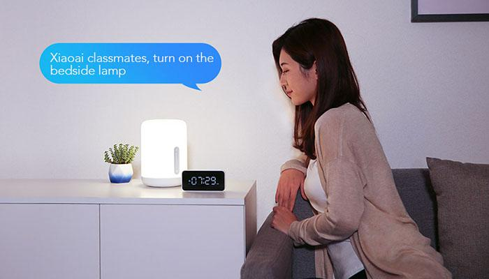 the Xiaoai speaker to turn on the bedside lamp